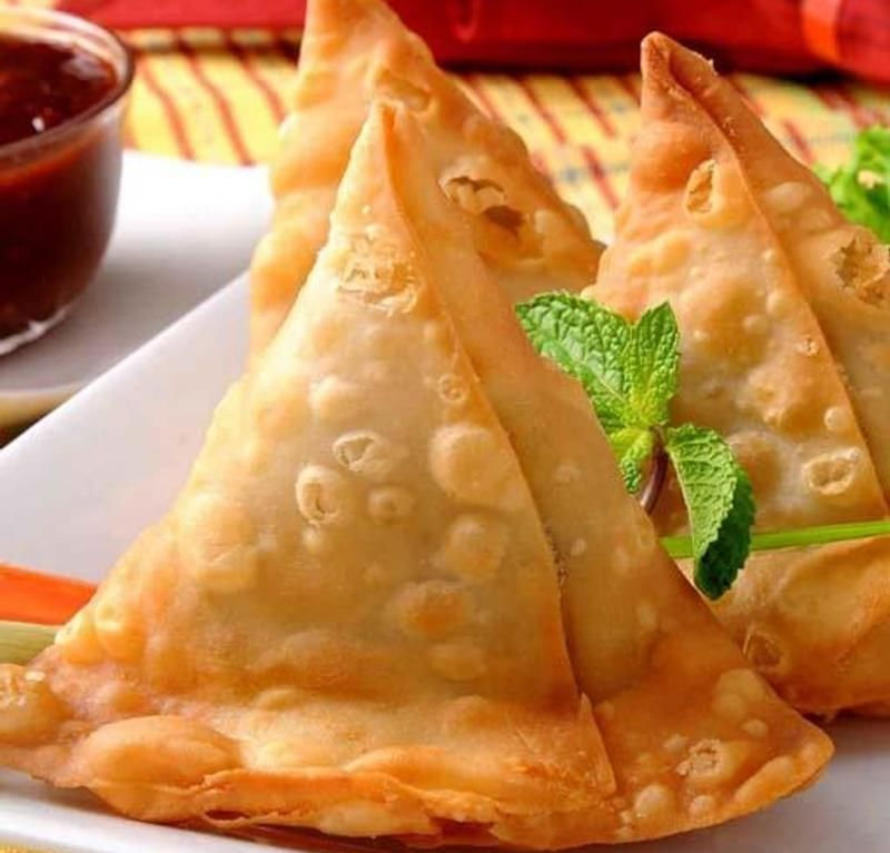 CHICKEN SAMOSA (2)